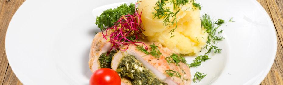 Sakiewka ze schabu faszerowana szpinakiem i serem feta